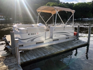 Pontoon Boats for Rent on the Kalamazoo River